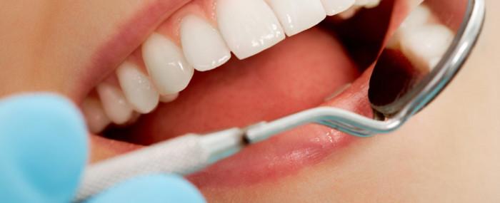 Conheça os alimentos que fazem bem e mal aos dentes