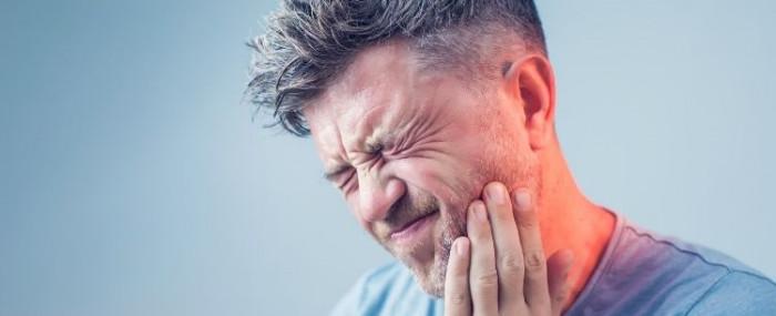 Dor de dente e os riscos de se automedicar!